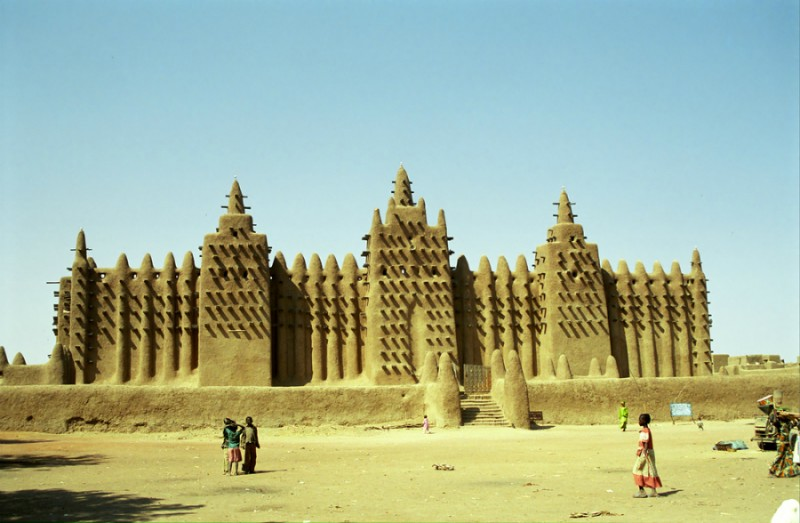 Mud mosque in Djenne, Mali (Shutterstock)