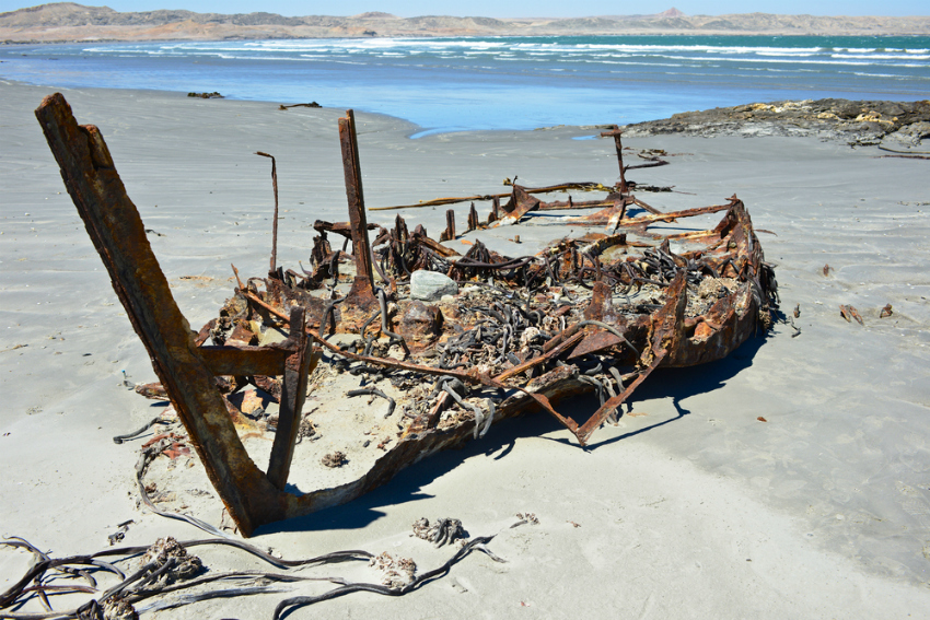 Shipwreck on Namibia's Skeleton Coast (Shutterstock)