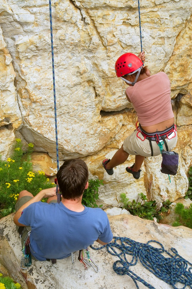 Rappelling down Table Mountain (Shutterstock)