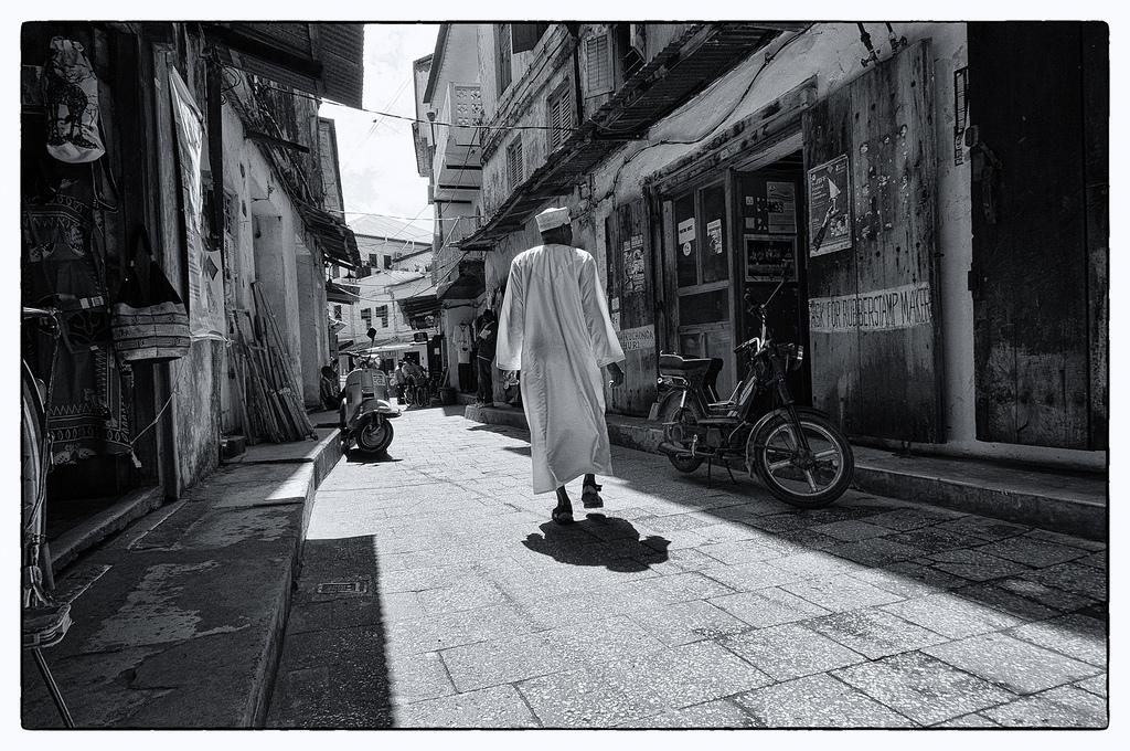 Street scene, Stone Town, Zanzibar (Yoni Lerner / Flickr)