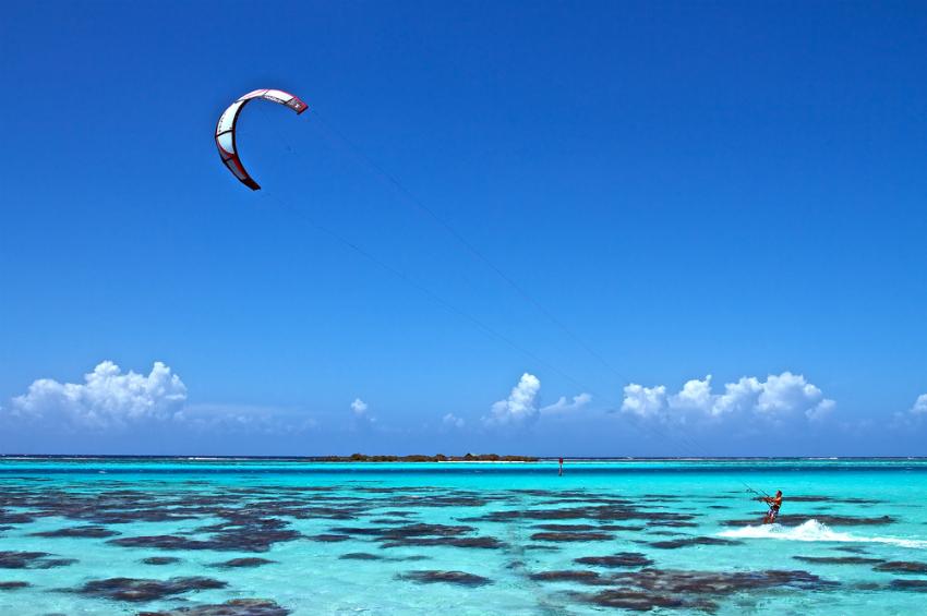 Kitesurfer (Shutterstock)