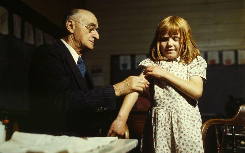 Immunization (Durova/Wikimedia Commons)