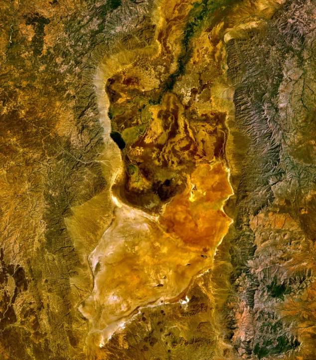 Satellite image of Lake Chew Bahir (wikipedia)