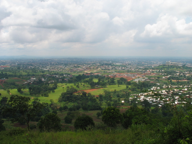 Yaounde from Mount Febe (Amcaja/Wikipedia Commons)