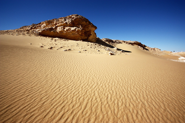 Great_Sand_Sea sandboarding in egypt