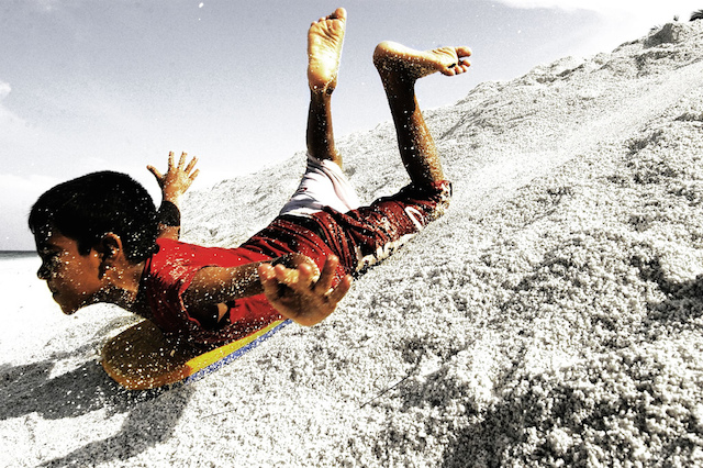 Sandboarding_in_america