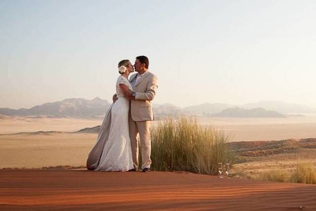 wedding at Wolwedans in namibia