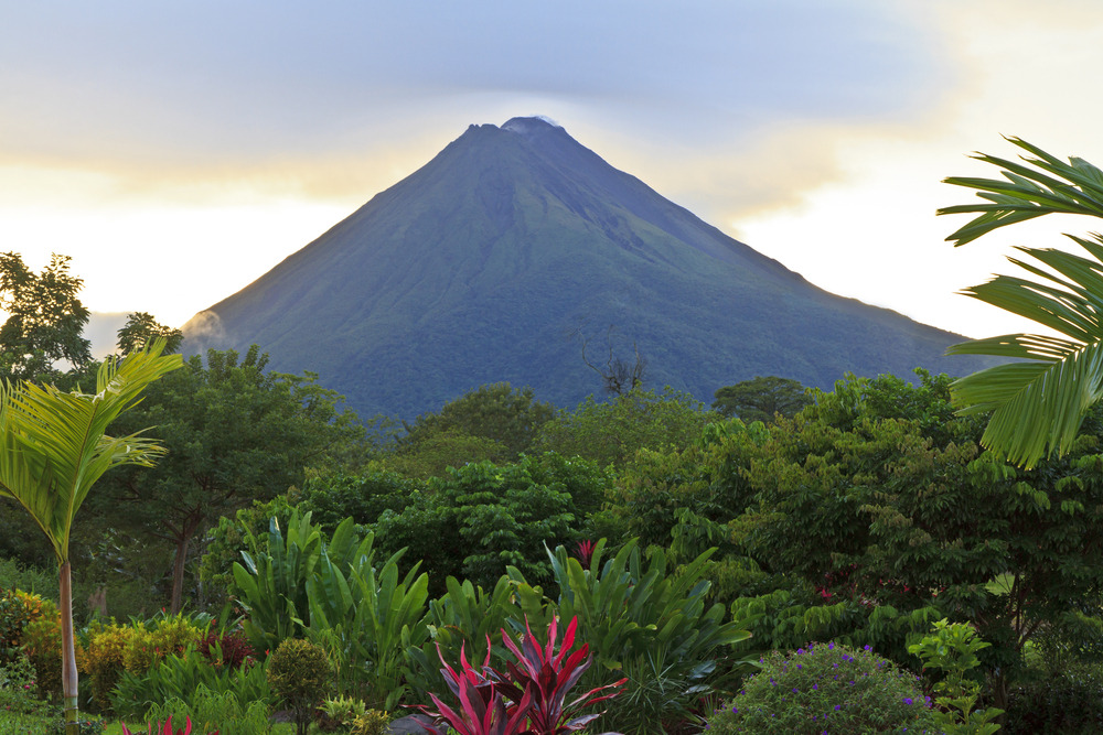 how to visit costa rica