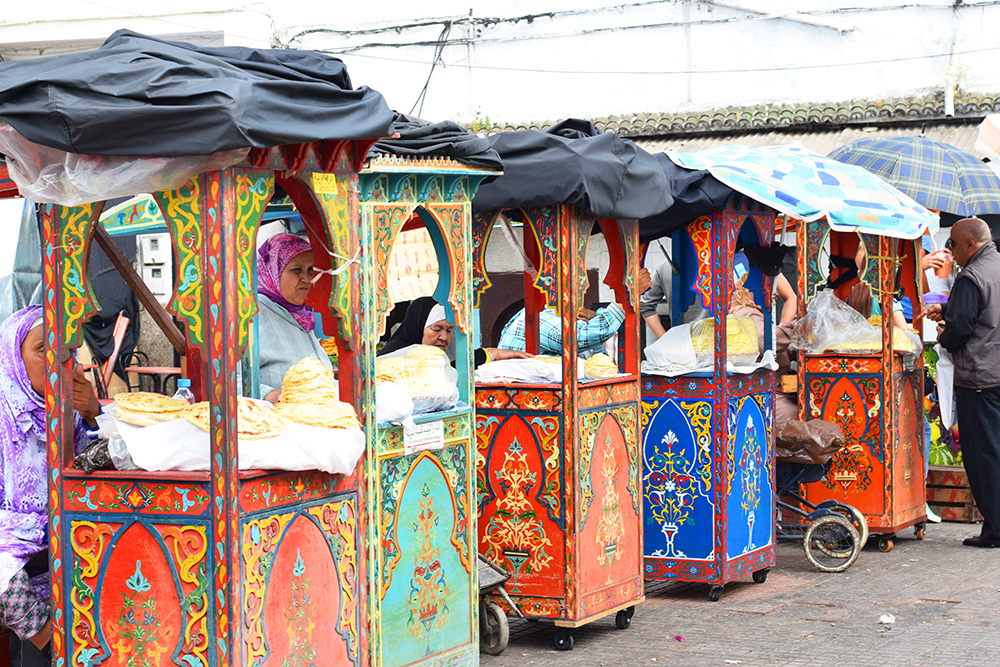 Rabat bread carts
