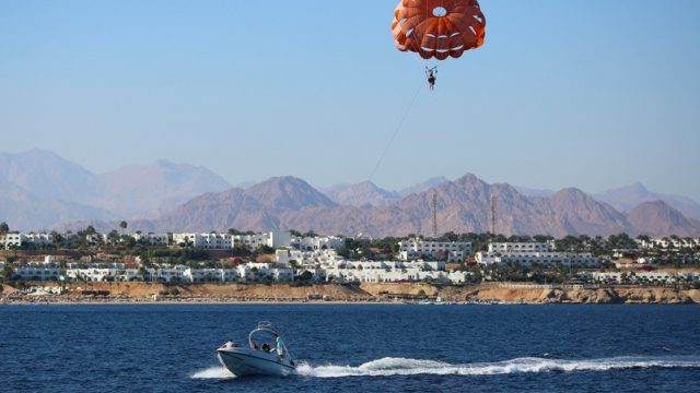 parasailing in egypt