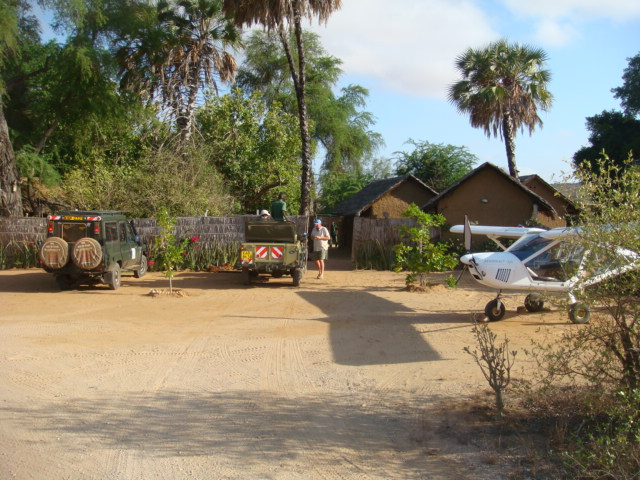 safari camps in tsavo east
