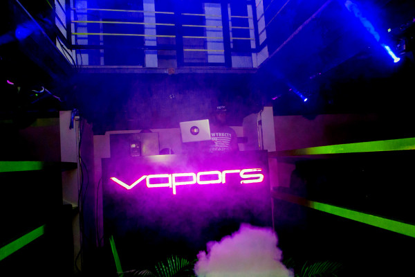 vapors night club