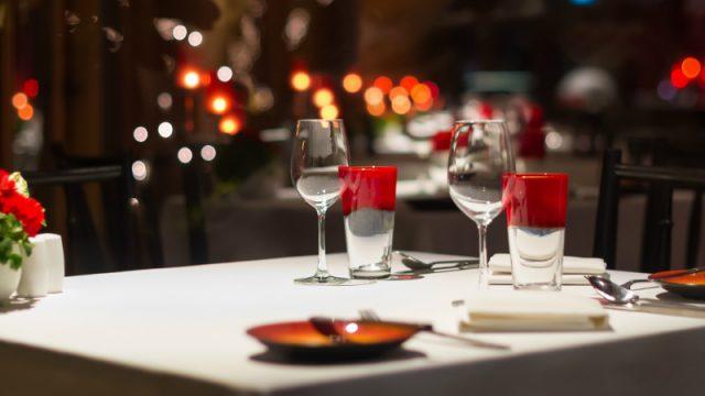 romantic dinner wide