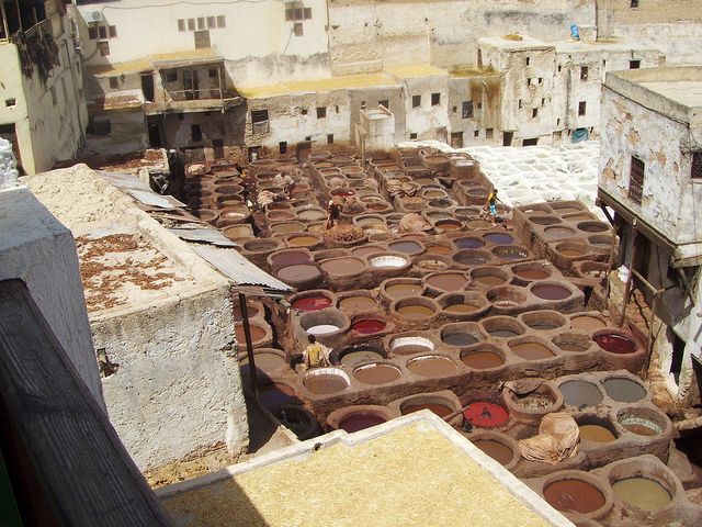 fez tannery https://www.flickr.com/photos/matteomartinello/4734911217/